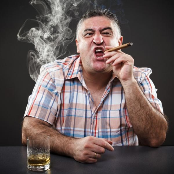 """Почему алкоголики и курильщики выдумывают несуществующий """"кайф""""?"""